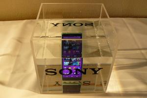 Arvostelu: Sony Xperia Z3 Compact - Huipputason Android-puhelin n�pp�r�ss� koossa